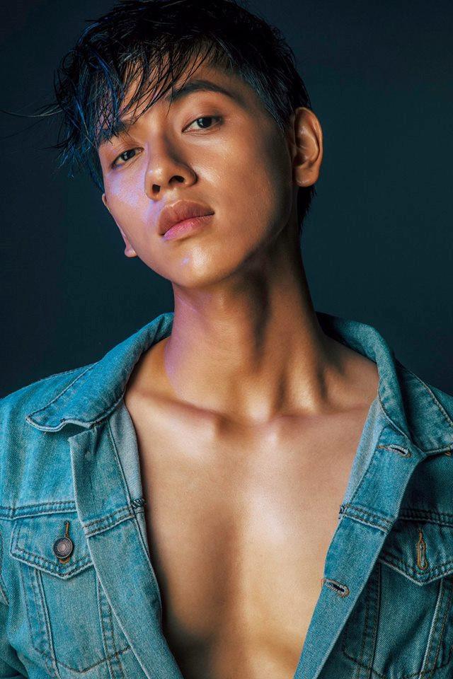 'Hot boy gia sư' cao 1,80 m, điển trai và thần thái
