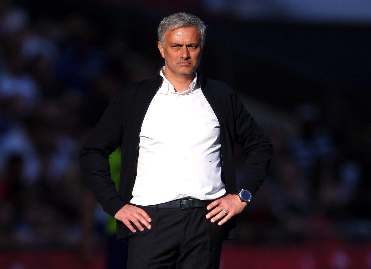 MU trắng tay: Mourinho bất lực và cái kết buồn