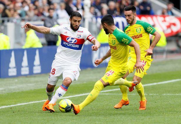 MU chiêu mộ cầu thủ đầu tiên, Liverpool bốc về 'sao' Pháp