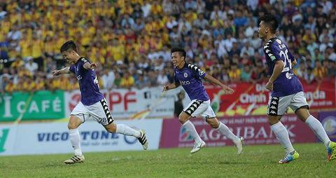 Duy Mạnh mở tỷ số cho Hà Nội FC