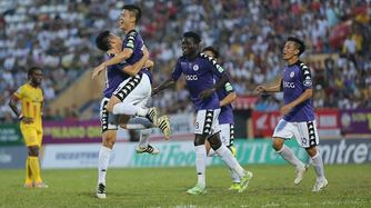 Duy Mạnh giúp Hà Nội có 3 điểm, Quảng Ninh thua đau Thanh Hóa