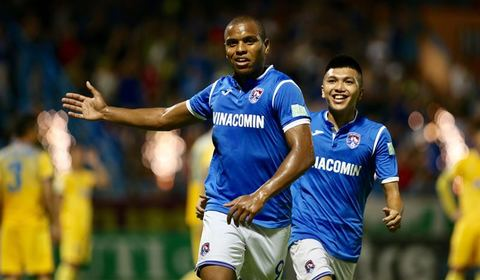 Eydison gỡ hòa 1-1 cho Than Quảng Ninh