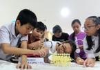 Học sinh tự làm robot năng lượng gió