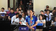 Gia đình nạn nhân đề nghị tòa tuyên BS Hoàng Công Lương vô tội