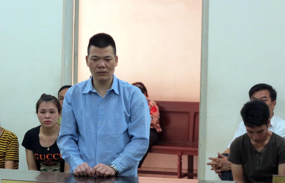 Nam thanh niên tưới xăng đốt vợ suýt chết vì bị nhắc nhở lúc đang nhậu