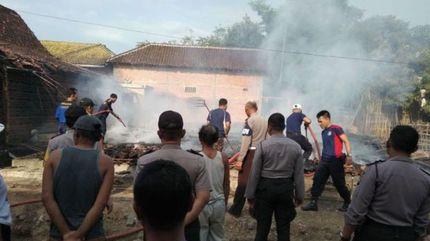 'Quý tử' đốt nhà vì bố mẹ chưa mua cho điện thoại mới