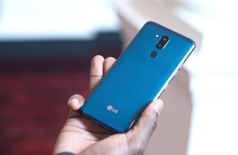 """LG G7+ ThinQ đầu tiên về VN: màn hình """"tai thỏ"""", giá 19 triệu"""