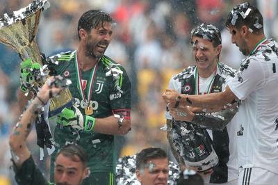 Buffon sang PSG kiếm tiền, làm đại sứ như Xavi