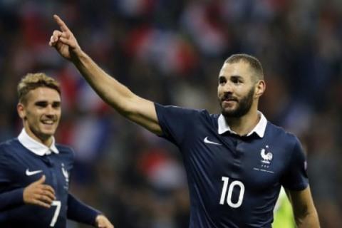 Benzema vs Pháp
