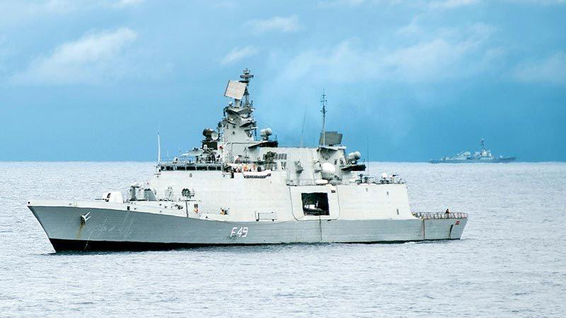 Soi ba tàu chiến Ấn Độ tới thăm Đà Nẵng