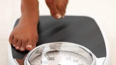 Giải đáp thắc mắc 'Có nên kiểm tra cân nặng thường xuyên khi giảm cân?'