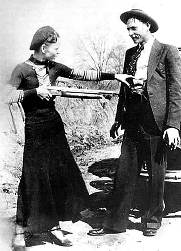 Ngày này năm xưa: Tiêu diệt đôi tình nhân khét tiếng Mỹ