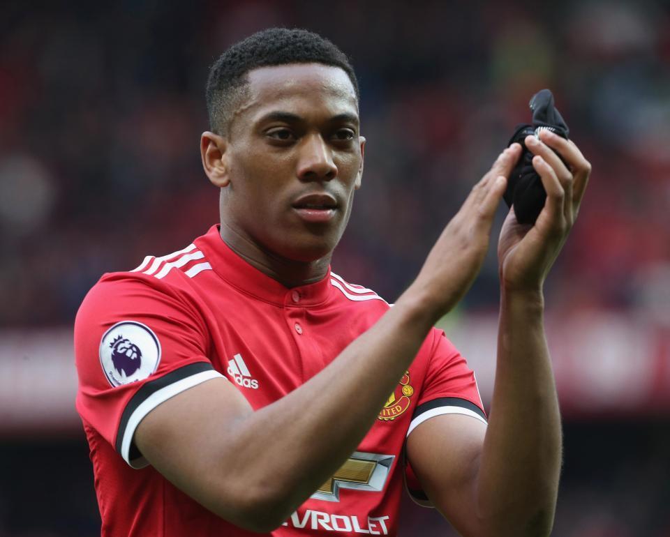 Bailly bức xúc Mourinho bỏ MU, Tottenham 'đánh cắp' Martial