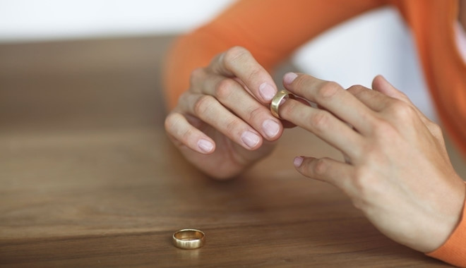 Chồng biết vợ ngoại tình qua lời nói ngây thơ của con gái 3 tuổi
