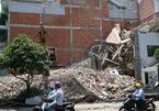 Sập nhà đang tháo dỡ ở Sài Gòn, 1 người chết