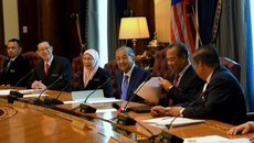 Malaysia giảm lương bộ trưởng để bớt chi tiêu