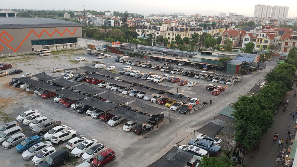 Ráo riết đóng cửa 2 bãi giữ xe lớn ở Linh Đàm?