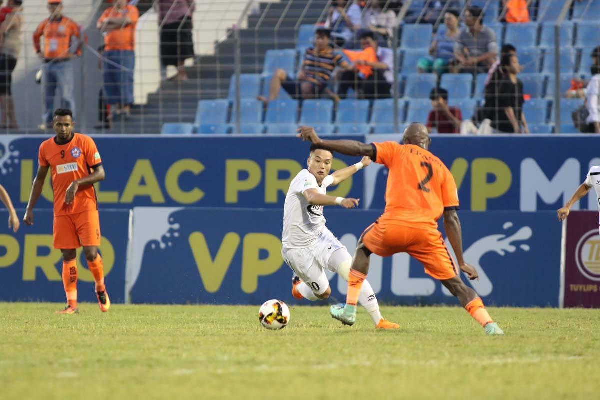 CLB TPHCM,Công Vinh,HLV Miura,V-League