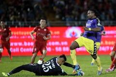 """Rúng động V-League: """"Đốt"""" 150 tỷ, CLB TPHCM ngấp nghé... giải thể"""