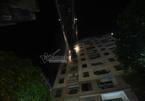 Cháy chung cư ở Hà Nội: Xe thang giải cứu người mắc kẹt trong đêm