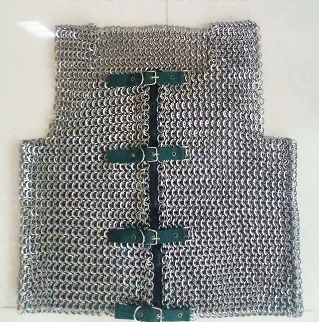 'Áo giáp sắt cho hiệp sĩ' giá bán tiền triệu, nặng gần 10kg