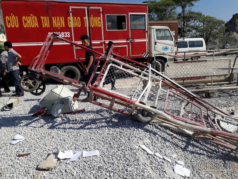 Tàu hỏa đâm xe tải: Công an lấy lời khai 2 người gác chắn