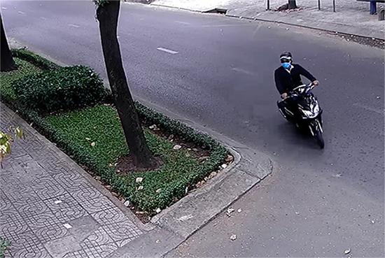 cướp giật,cướp giật tài sản,tội phạm đường phố,cướp giật dây chuyền,Sài Gòn