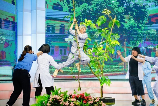 Việt Hương,Thanh Bạch,Cặp đôi hài hước