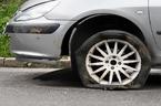 Kinh nghiệm xử lý khi bị nổ lốp xe trên đường cao tốc
