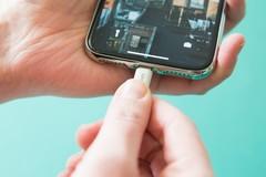 Người dùng iPhone mới thay pin được Apple hoàn tiền