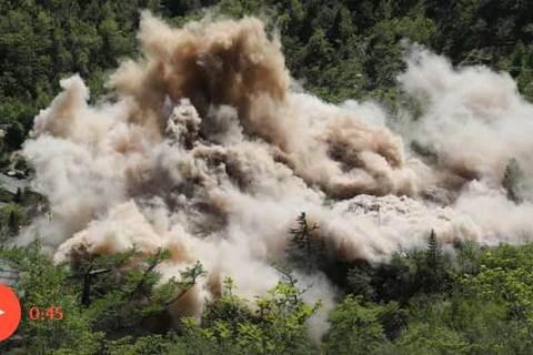 Triều Tiên đánh sập bãi thử hạt nhân