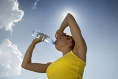 Mẹo phòng chống đột quỵ ngày nắng nóng