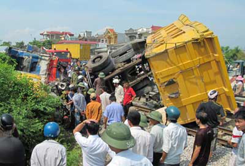 Phút hãm phanh đứt cánh tay, cứu 300 hành khách của người lái tàu