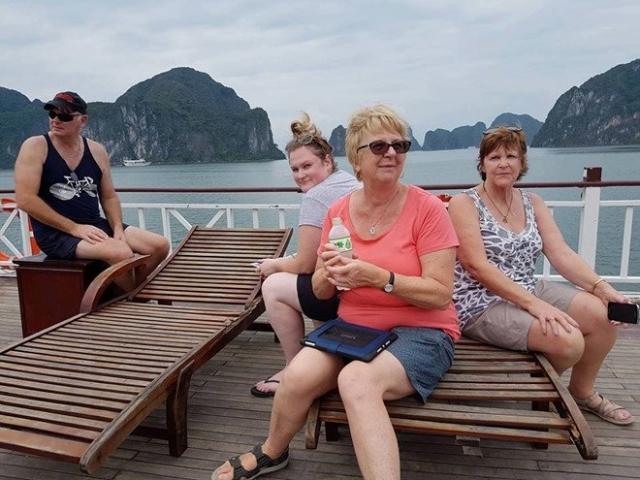 'Chuyến đi kinh dị' cho khách Úc đến Hạ Long: Phạt kẻ bán tour lừa