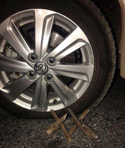 Quảng Ninh: Nhiều ô tô dính bẫy 'chông sắt' rơi vào tình huống nguy hiểm