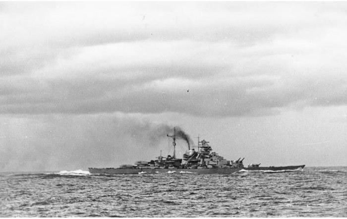 Ngày này năm xưa: Bí ẩn trận hải chiến đánh chìm siêu hạm Đức