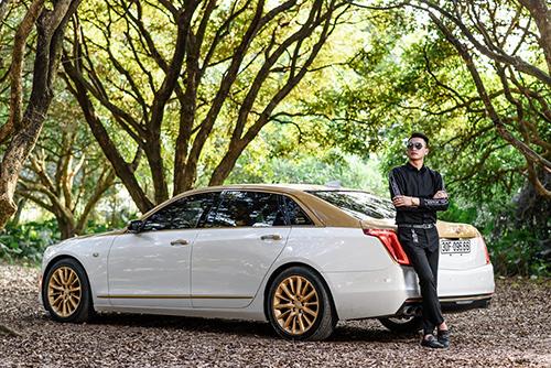 Chủ nhân siêu xe Cadillac CT6 đẹp trai khó cưỡng