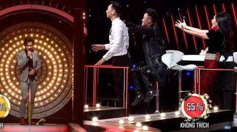 Hotboy lai Việt - Pháp bị khán giả 'xua đuổi' khỏi sân khấu vì hát dở