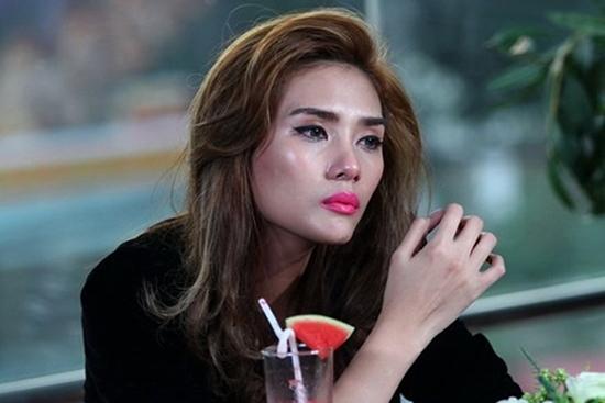 Võ Hoàng Yến: Nghề người mẫu không phải là đi làm gái