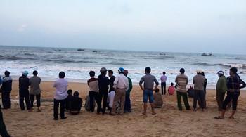 Một thầy giáo chết đuối tại biển Thiên Cầm