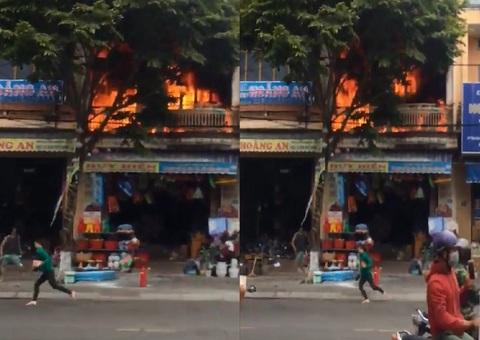cháy nổ