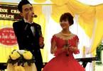 Chú rể Quảng Bình hát 'Cô gái M53' tặng vợ trong ngày cưới