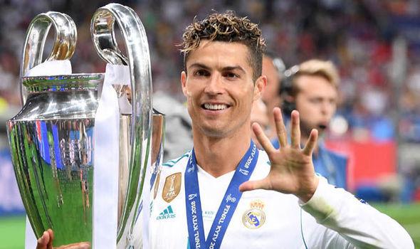 Vừa vô địch C1, Ronaldo lấp lửng rời Real, MU đón gấp