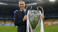 Real lập hat-trick vô địch: Zidane, phù thủy tối thượng