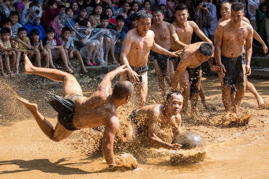 vật cầu bùn,Bắc Giang,làng Vân