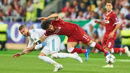 Salah nói thật về cú bẻ tay của Ramos, có thể lỡ World Cup