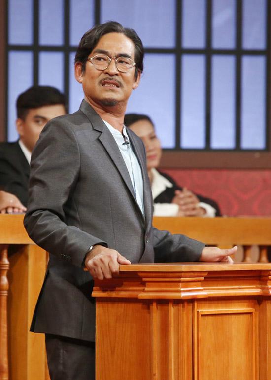 Ngân Quỳnh 'kiện' chồng tội mê giày hơn mê vợ
