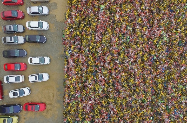Sốc trước hình ảnh loạt 'nghĩa địa xe đạp' khổng lồ rải rác khắp Trung Quốc