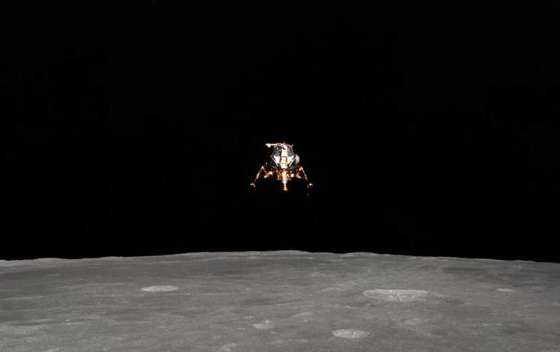 Người thứ 4 đặt chân lên Mặt Trăng vừa qua đời ở tuổi 86