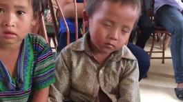 Clip 'giấc ngủ chập chờn của em bé vùng cao' khiến dân mạng cảm động